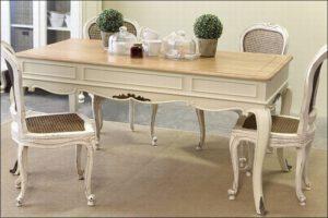 שולחן אוכל – Antique Table