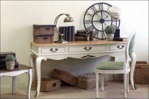 שולחן כתיבה – Antique Table