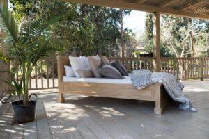 מיטת עץ תריס
