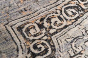 שטיח צמר עם דוגמה