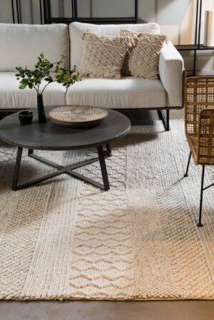 שטיח צמר לבן בסגנון סרוג